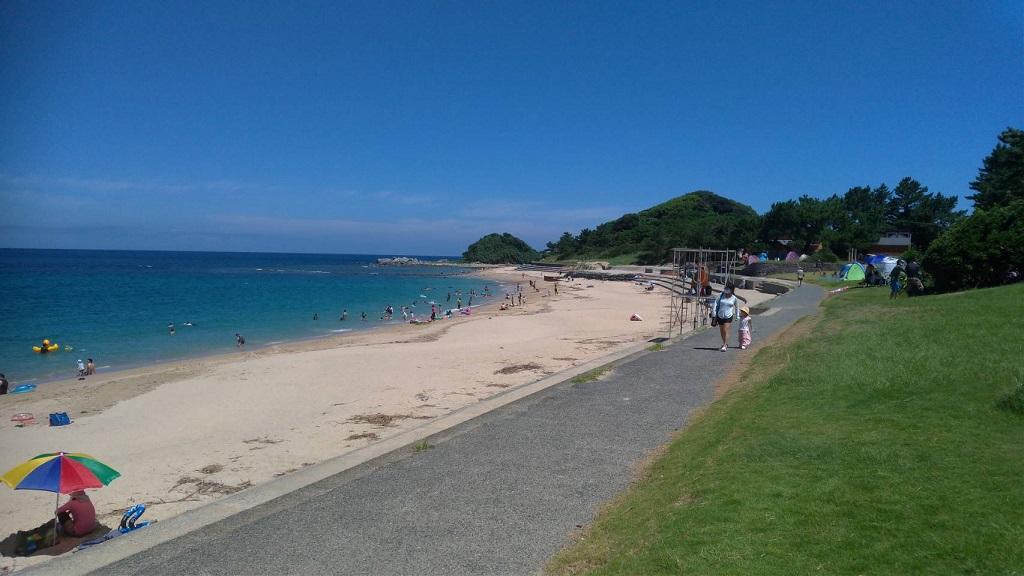 これで砂浜の1/3ほどの景色