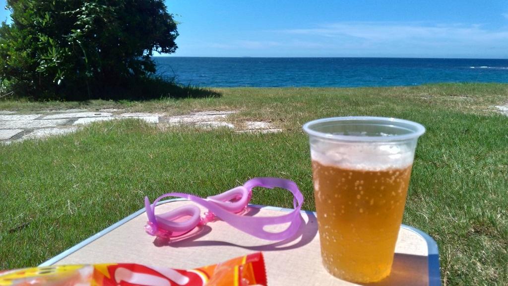 海辺とビール