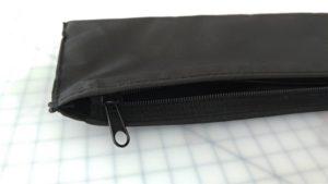 傘の袋にファスナー
