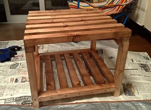 木製フレームの棚塗装2回目後