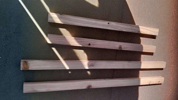 ホワイトボードを手軽に移動させたくてキャスター付き木製フレームを作ってみた!